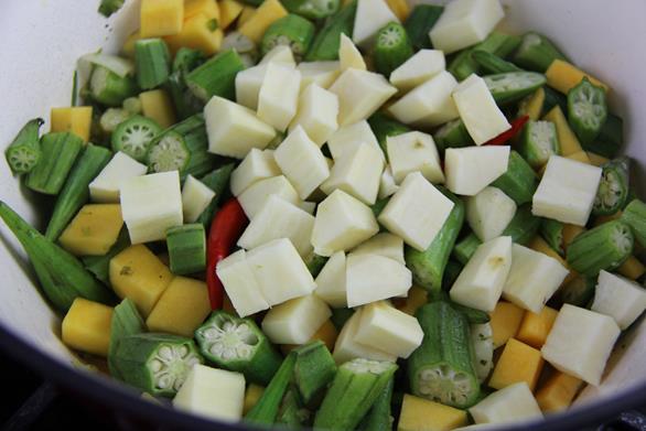 Vegetarian Trinidad callaloo (5)