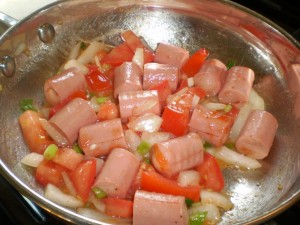 vienna sausage with tomato and onions