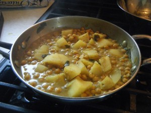 curry aloo and channa