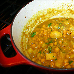 Curry channa chickpeas with aloo recipe caribbeanpot forumfinder Image collections