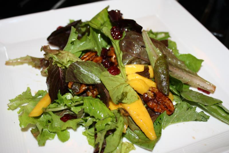 caribbean salad with candied pecans and sliced mango (13)