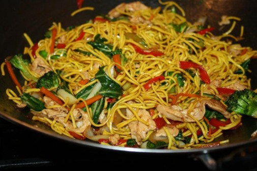 Caribbean inspired chicken lo mein caribbeanpot as forumfinder Images