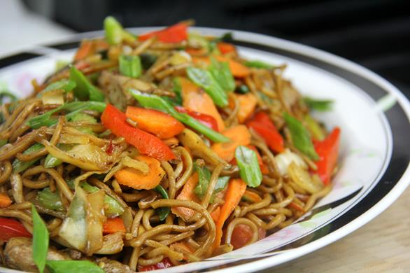 Caribbean inspired chicken lo mein caribbeanpot chicken lo mein forumfinder Image collections