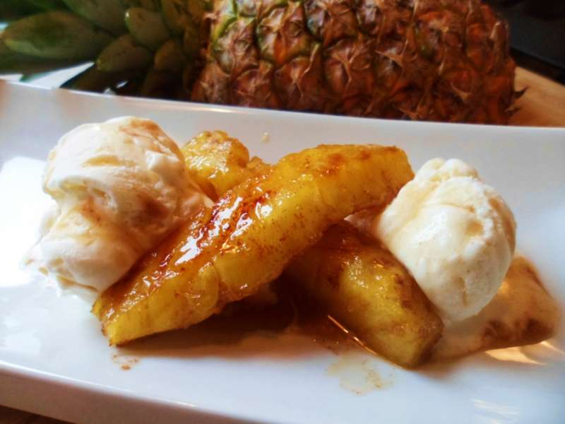 Grilled Pineapple With Caramel Rum Sauce. | CaribbeanPot.com