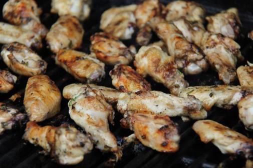 grilled mango buffalo chicken wings (6)
