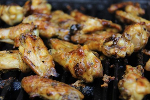 grilled mango buffalo chicken wings (8)