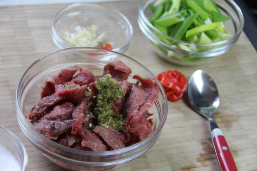 stir fry beef with peppers (2)