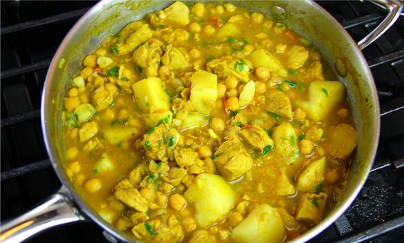 curry chickpeas with chicken (1)