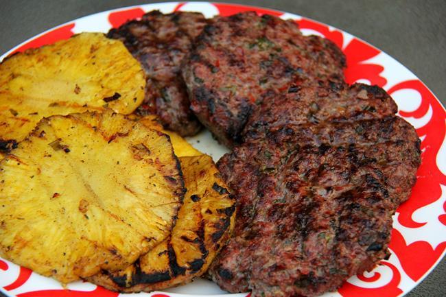 Jamaican Jerk Burger (12)