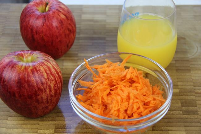 apple carrot smoothie (2)