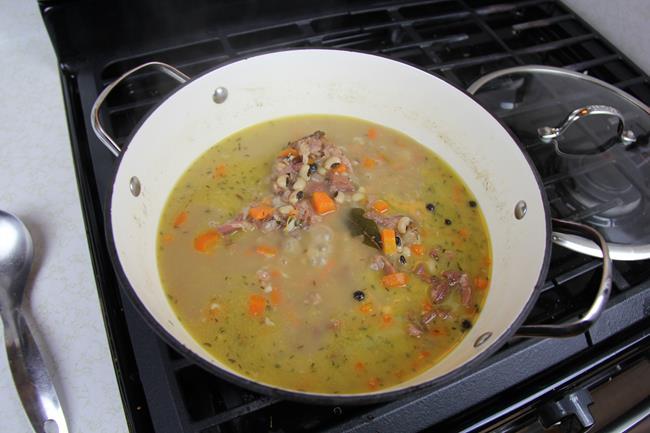 stewed-black-eye-peas-9