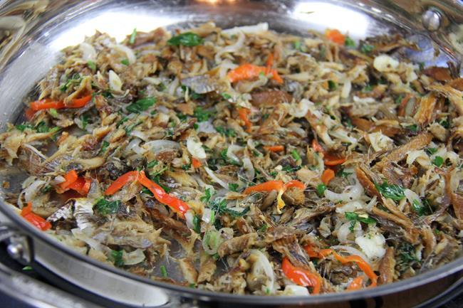 roasted breadfruit with smoked herring (4)