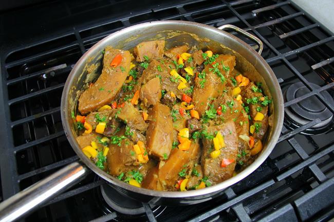 breadfruit in stewed pork (10)