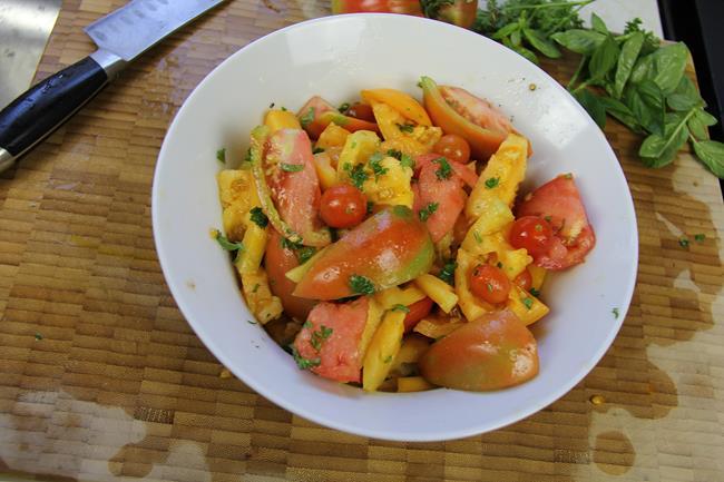 vegan tomato basil salad (4)