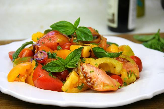 vegan tomato basil salad (5)