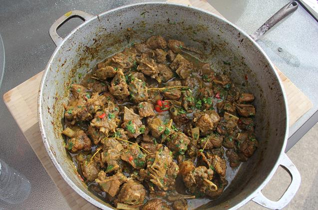 cooking curry duck (13)