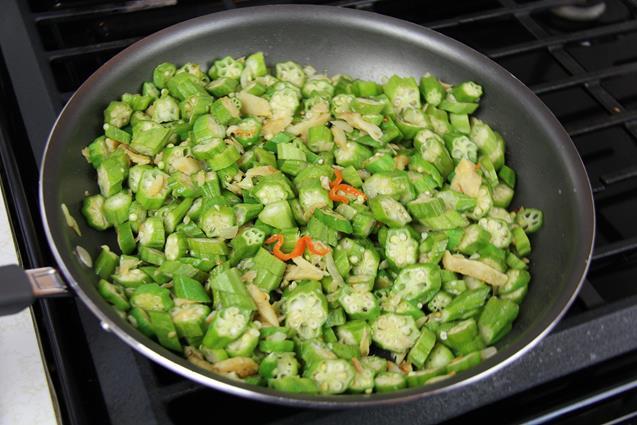 fry okra with saltfish (5)