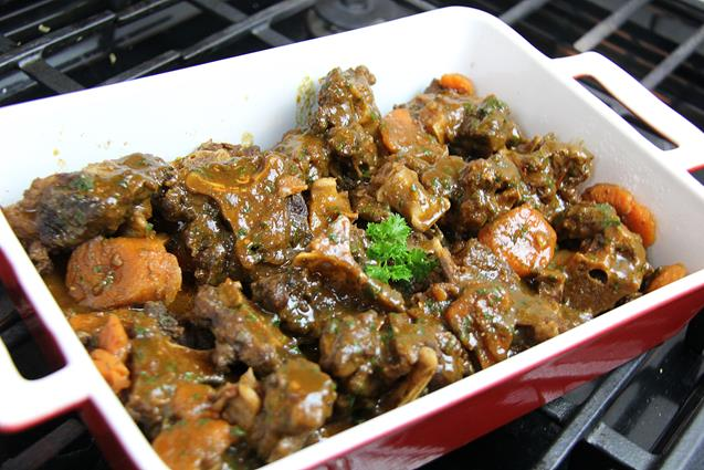 slowcooker stewed oxtails (1)