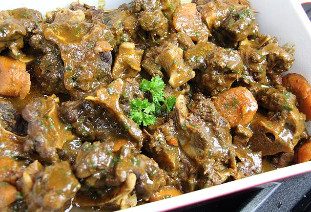 slowcooker stewed oxtails (2)