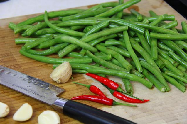 stirfry beans with chicken (1)