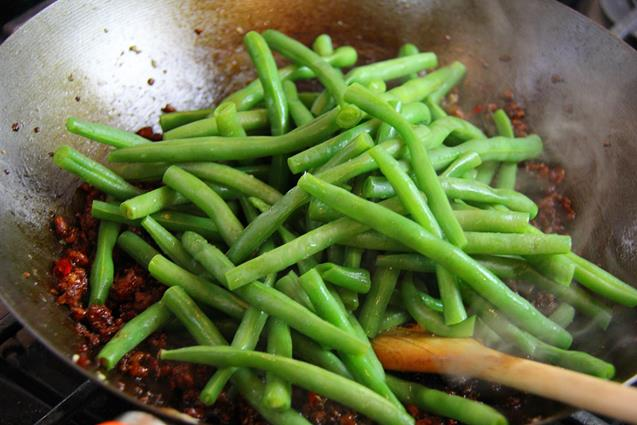 stirfry beans with chicken (8)